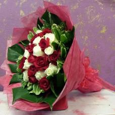 HB RED & WHITE ROSES